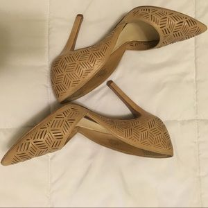 SEXY Nude pumps classic and beautiful